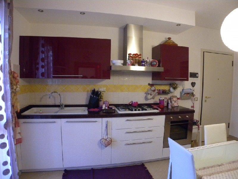 Appartamento in vendita a Rosignano Marittimo, 3 locali, prezzo € 170.000 | CambioCasa.it