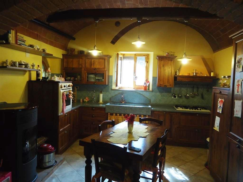 Soluzione Indipendente in vendita a Gambassi Terme, 5 locali, prezzo € 220.000 | Cambio Casa.it
