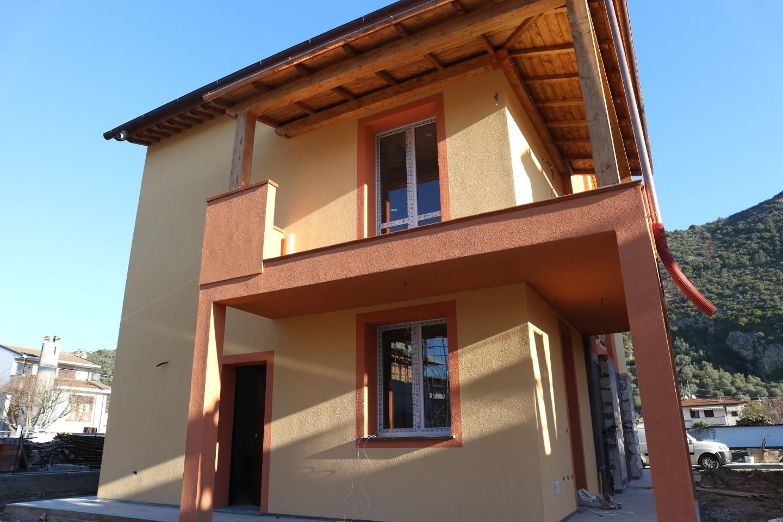 Villetta bifamiliare a Vicopisano