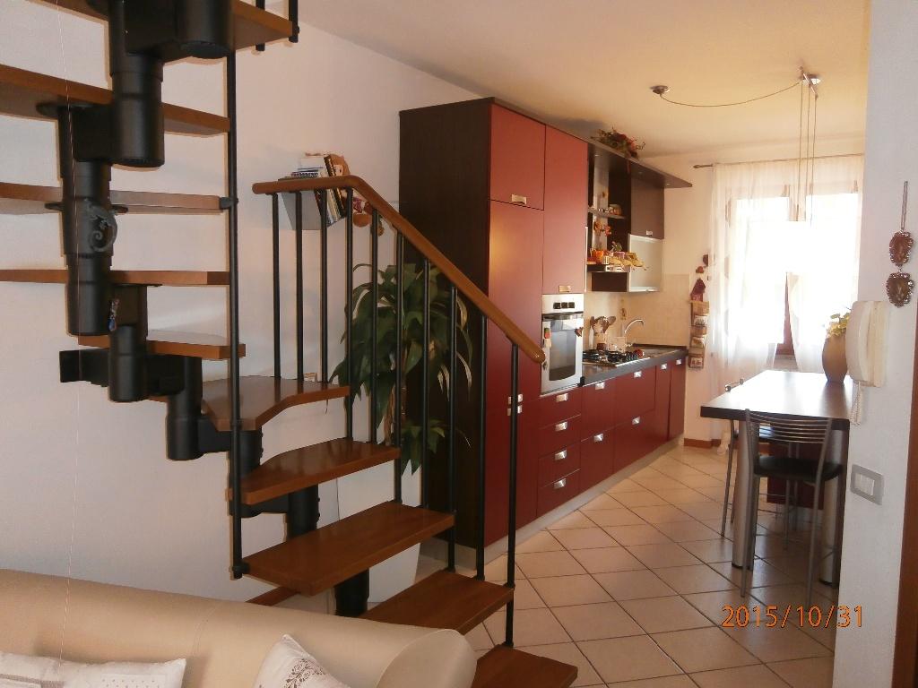 Appartamento in vendita a Terricciola, 5 locali, prezzo € 128.000 | CambioCasa.it