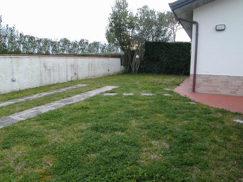 Appartamento in vendita a Montignoso, 3 locali, prezzo € 310.000 | PortaleAgenzieImmobiliari.it