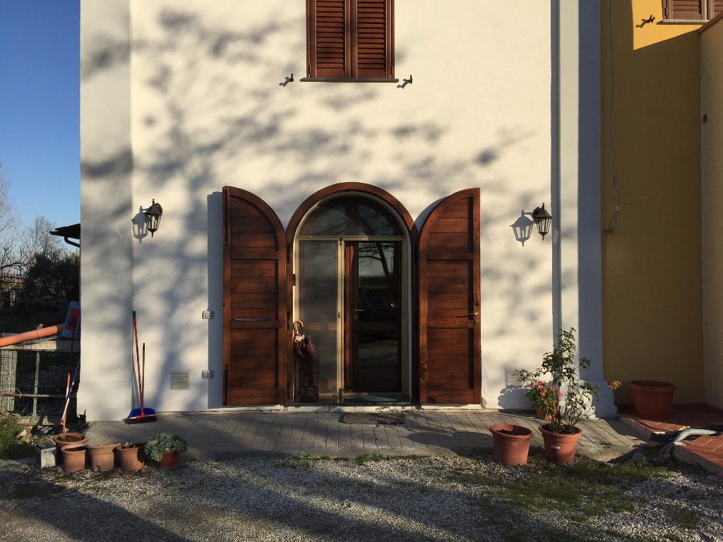Appartamento in vendita a Pontedera, 5 locali, prezzo € 155.000 | Cambio Casa.it