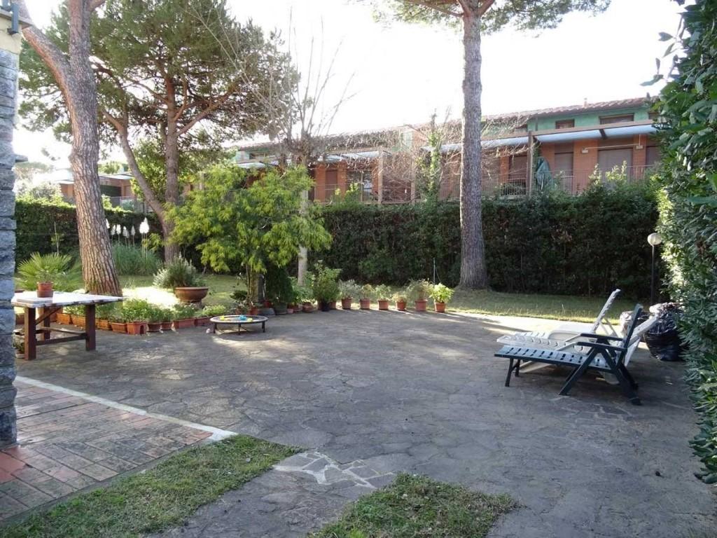 Villetta bifamiliare in vendita, rif. DD0138