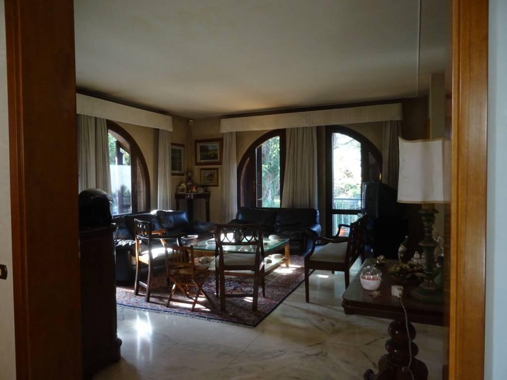 Villetta bifamiliare in vendita, rif. DC695