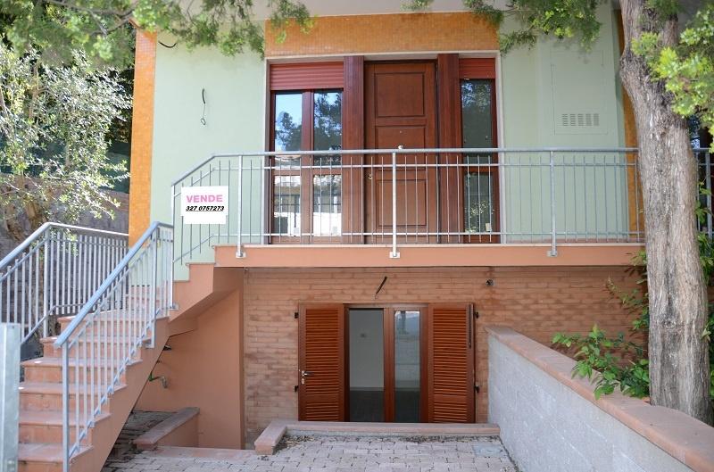Appartamento in affitto a Rosignano Marittimo, 4 locali, prezzo € 670 | CambioCasa.it