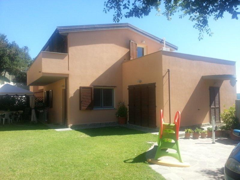 Villa Bifamiliare in Vendita a Livorno