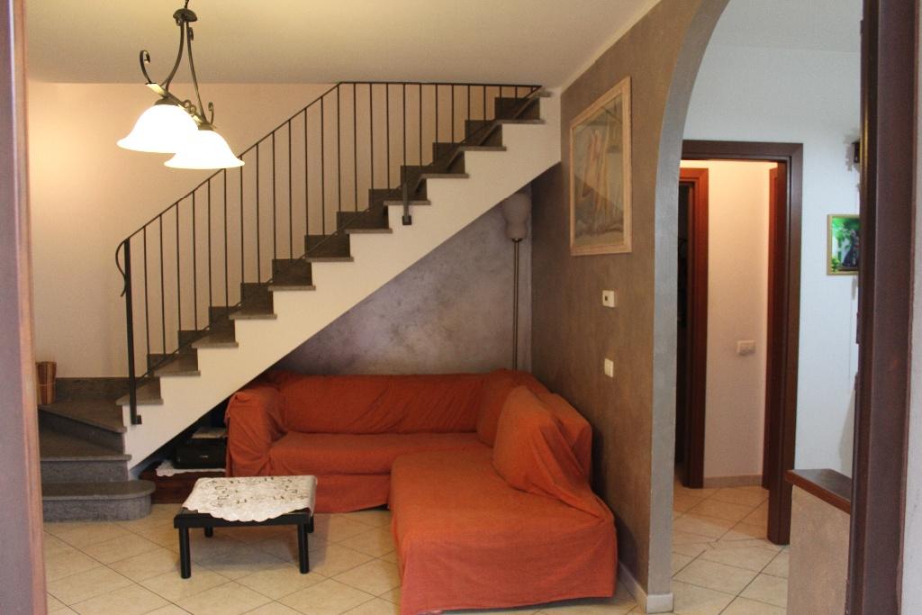 Soluzione Indipendente in vendita a Santa Maria a Monte, 5 locali, prezzo € 148.000 | CambioCasa.it