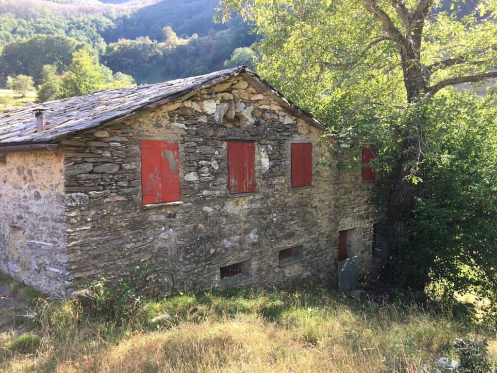 Rustico / Casale in Vendita a Stazzema