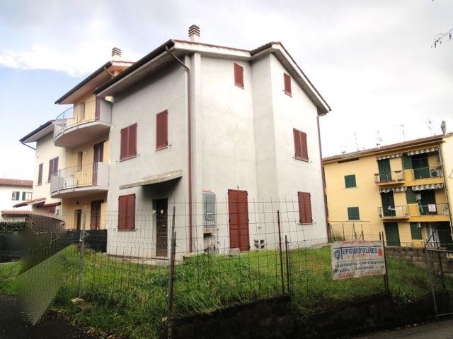Villetta trifamiliare in vendita a Cascine, Buti (PI)