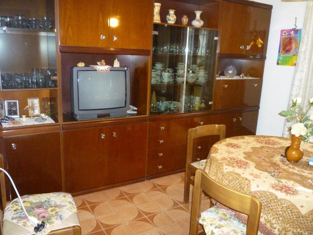 Appartamento in vendita a Peccioli, 6 locali, prezzo € 85.000 | Cambio Casa.it
