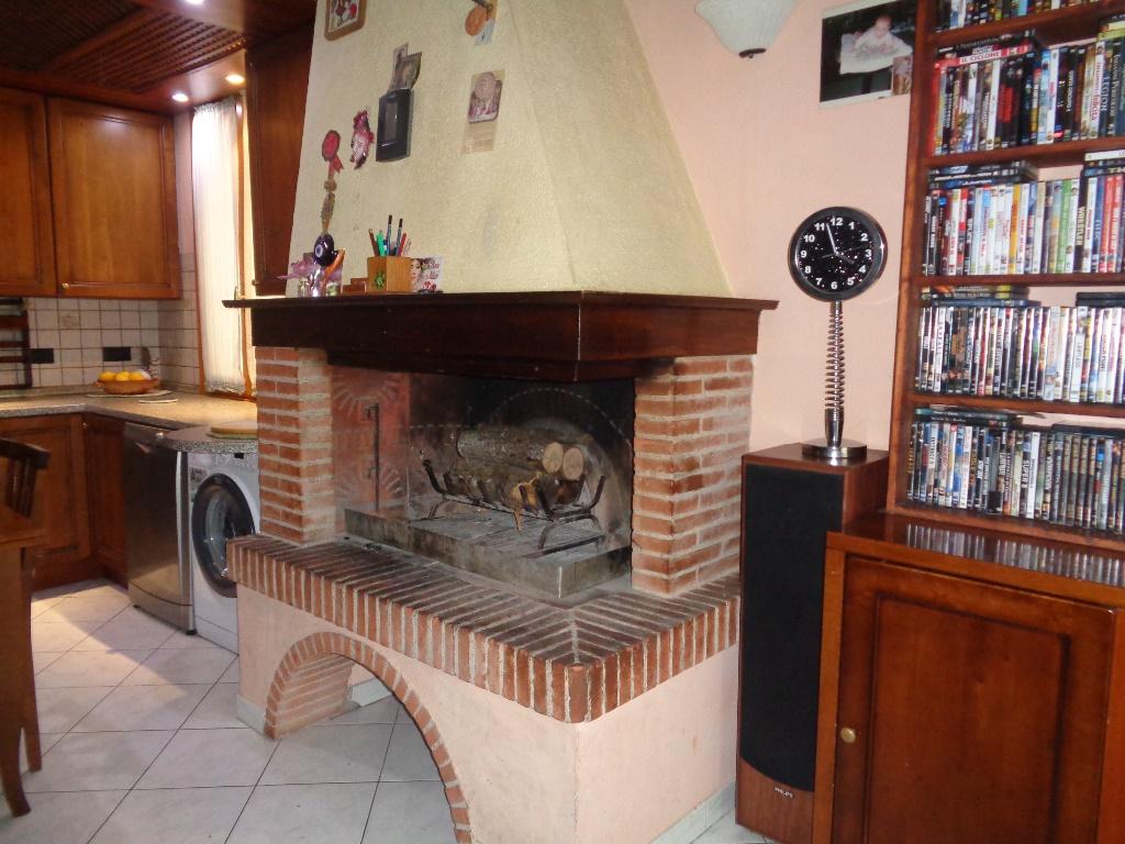Appartamento in vendita a Vinci, 5 locali, prezzo € 240.000 | CambioCasa.it