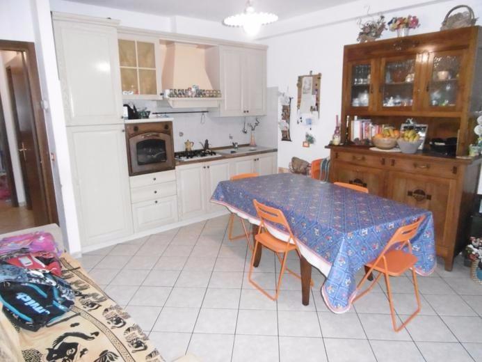 Appartamento in vendita a Calci, 3 locali, prezzo € 157.000 | CambioCasa.it