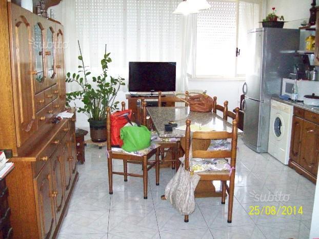 Appartamento in vendita a Livorno, 5 locali, prezzo € 140.000 | CambioCasa.it