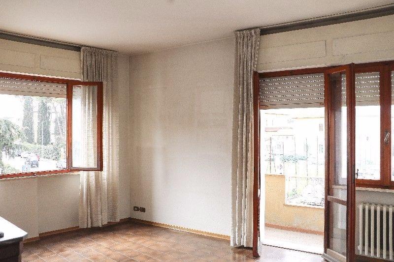 Appartamento in vendita a Pontedera, 5 locali, prezzo € 145.000 | Cambio Casa.it