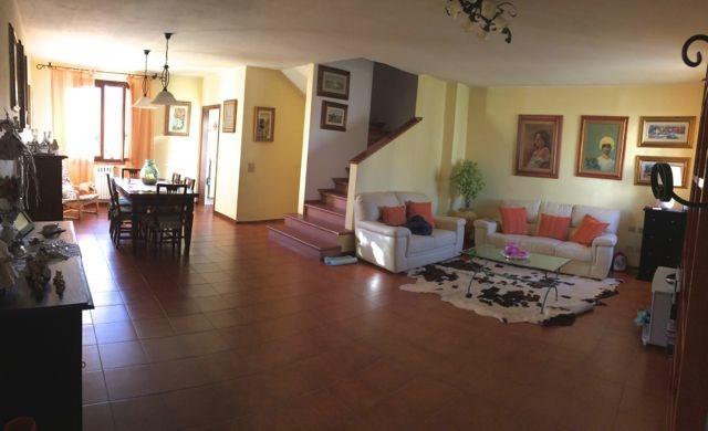 Villa Bifamiliare in Vendita a Pontedera