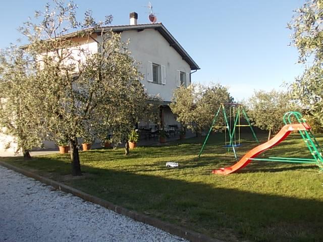 Villa in vendita a Castelfranco di Sotto, 6 locali, prezzo € 295.000 | CambioCasa.it