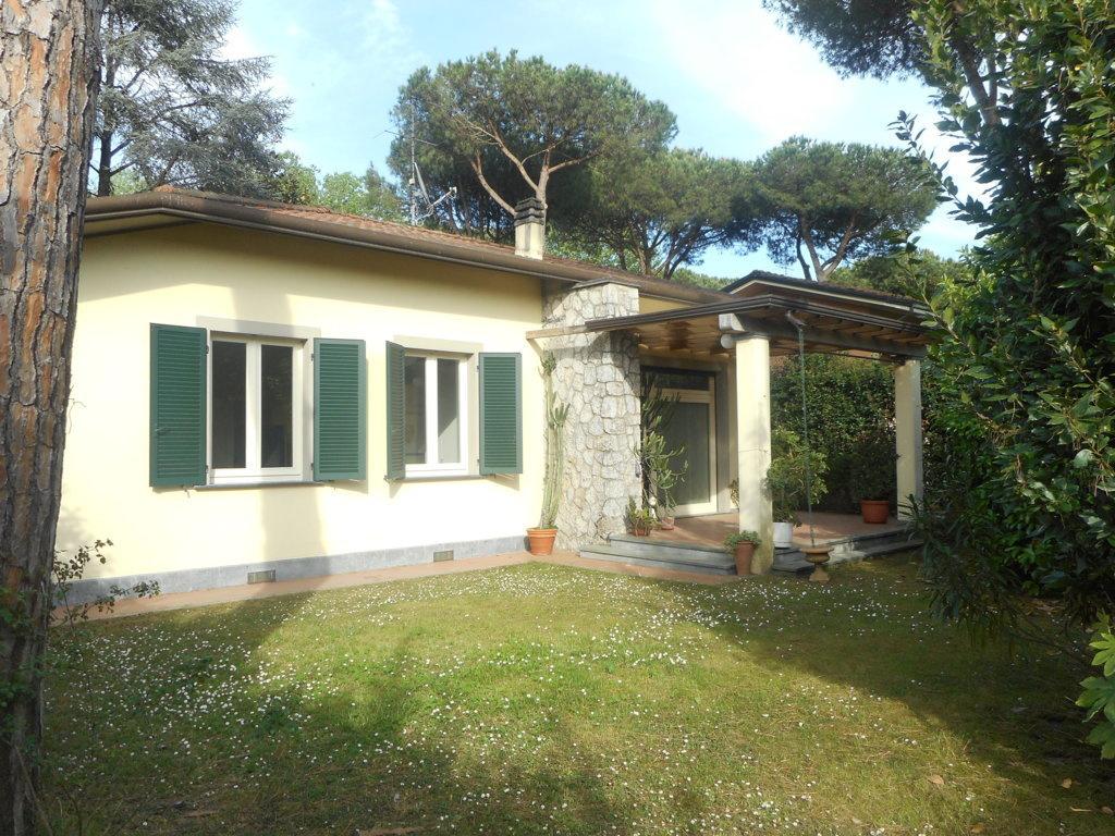 Villa in vendita a Massa, 4 locali, prezzo € 570.000 | CambioCasa.it