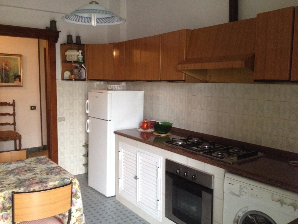 Appartamento in vendita, rif. A527