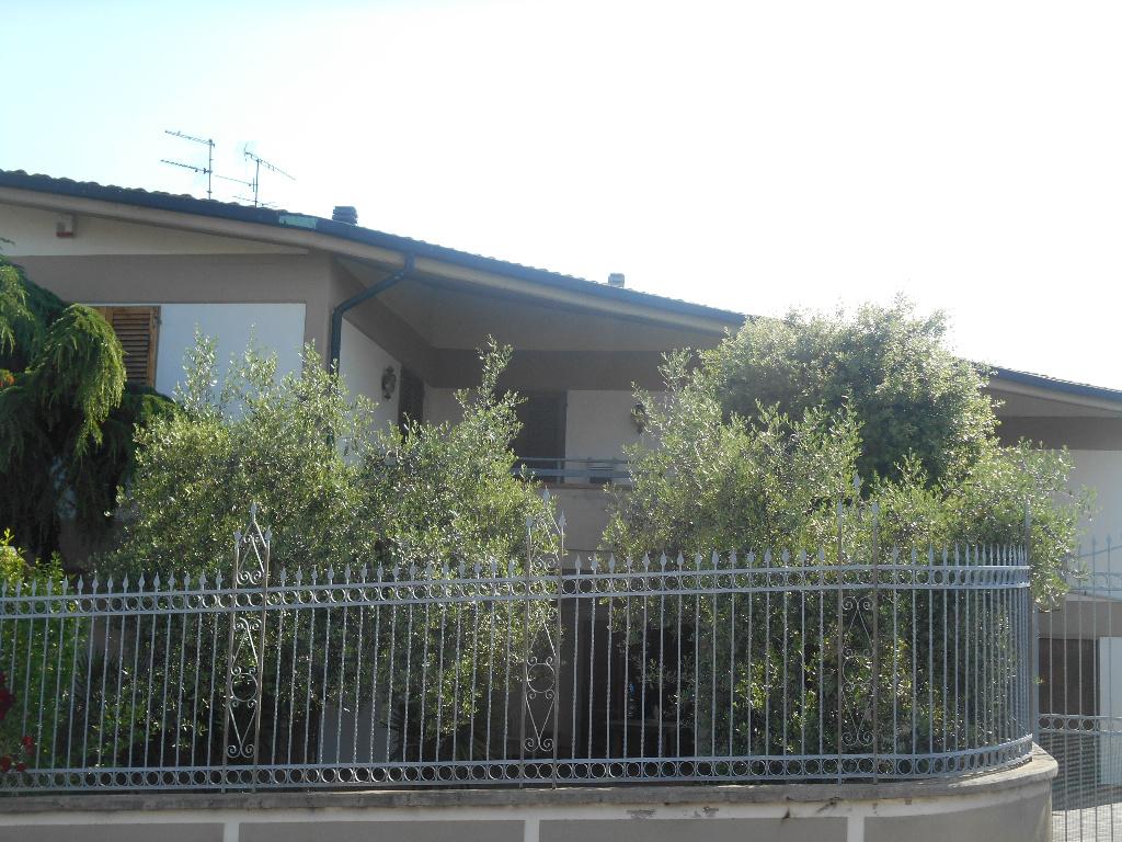 Villetta bifamiliare in vendita, rif. b417