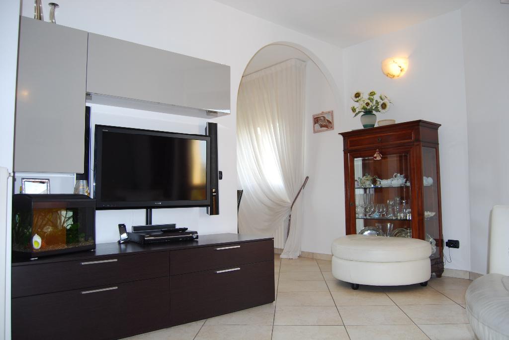 Appartamento in vendita a Cerreto Guidi, 5 locali, prezzo € 165.000 | Cambio Casa.it