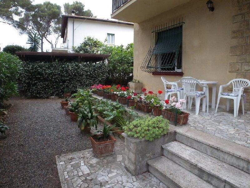 Villa in vendita a Rosignano Marittimo, 5 locali, prezzo € 500.000 | Cambio Casa.it