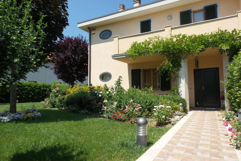 Villa in vendita a Montelupo Fiorentino, 6 locali, prezzo € 590.000 | Cambio Casa.it