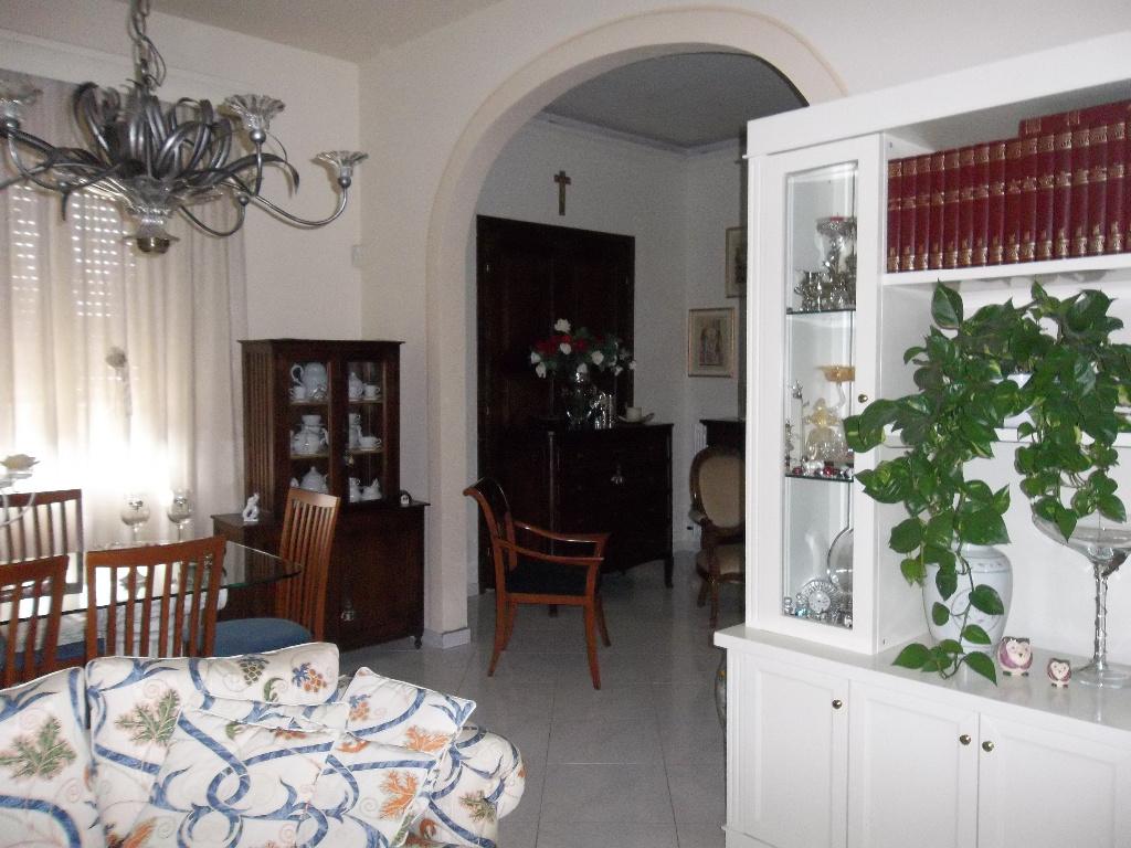 Soluzione Indipendente in vendita a Ponsacco, 12 locali, prezzo € 298.000 | Cambio Casa.it