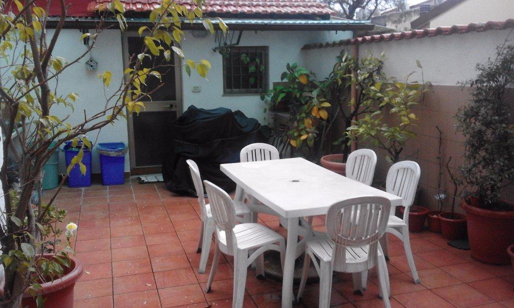 Soluzione Indipendente in vendita a Viareggio, 7 locali, prezzo € 395.000 | CambioCasa.it