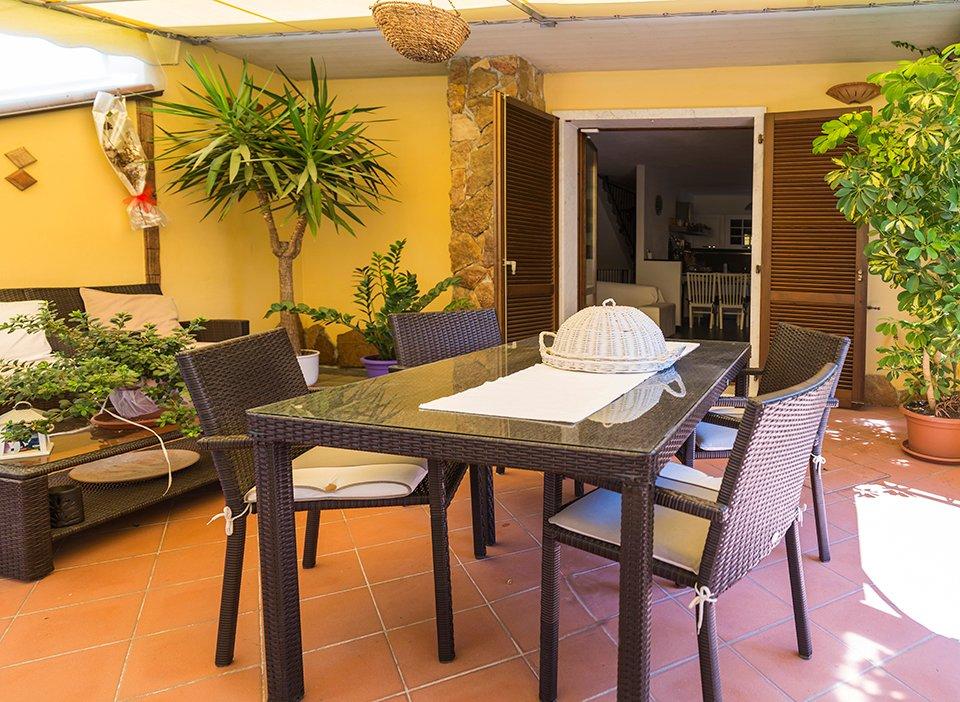 Villa Tri-Quadrifamiliare in Vendita a Carrara