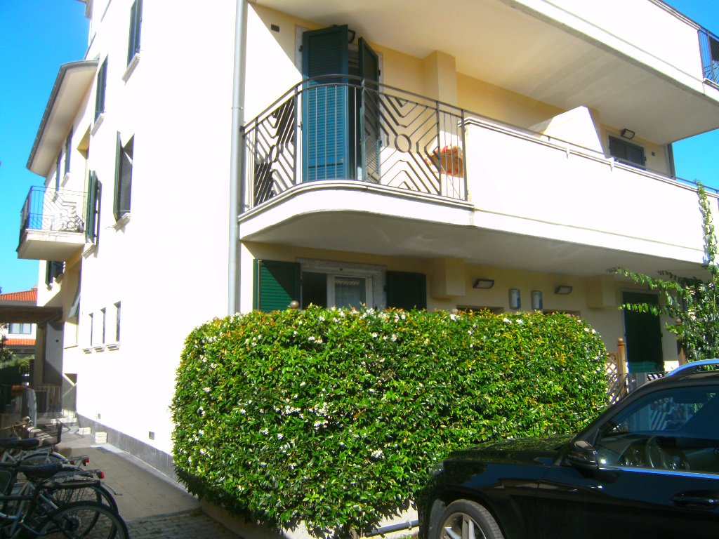Villa a Schiera in vendita a Montignoso, 6 locali, Trattative riservate | CambioCasa.it