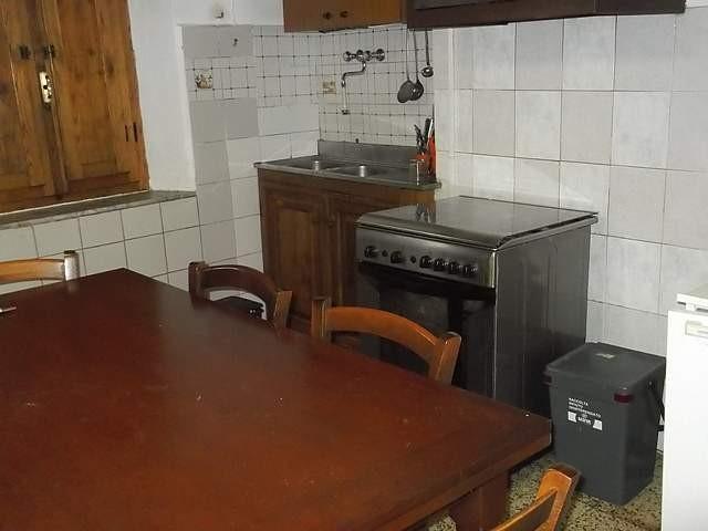 Appartamento in vendita a Buti, 3 locali, prezzo € 100.000 | CambioCasa.it