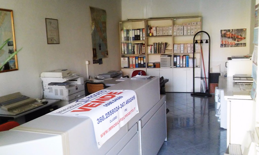 Locale comm.le/Fondo in vendita a Carrara (MS)