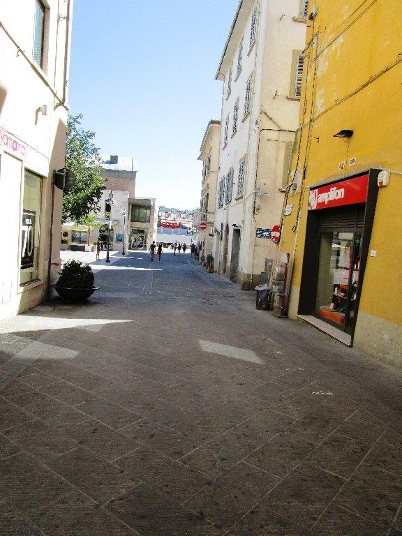Negozio / Locale in affitto a Poggibonsi, 1 locali, prezzo € 270 | CambioCasa.it