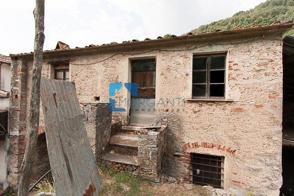 Rustico / Casale in vendita a Pietrasanta, 5 locali, prezzo € 130.000 | CambioCasa.it