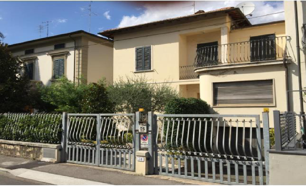 Villa in vendita a Empoli, 11 locali, prezzo € 400.000 | CambioCasa.it
