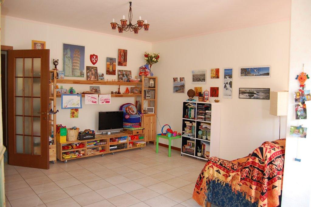 Appartamento in vendita a Calci, 4 locali, prezzo € 159.000   Cambio Casa.it
