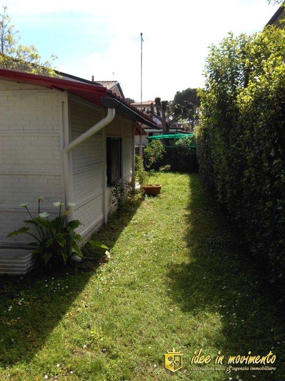 Villetta bifamiliare/Duplex in vendita a Cinquale, Montignoso (MS)