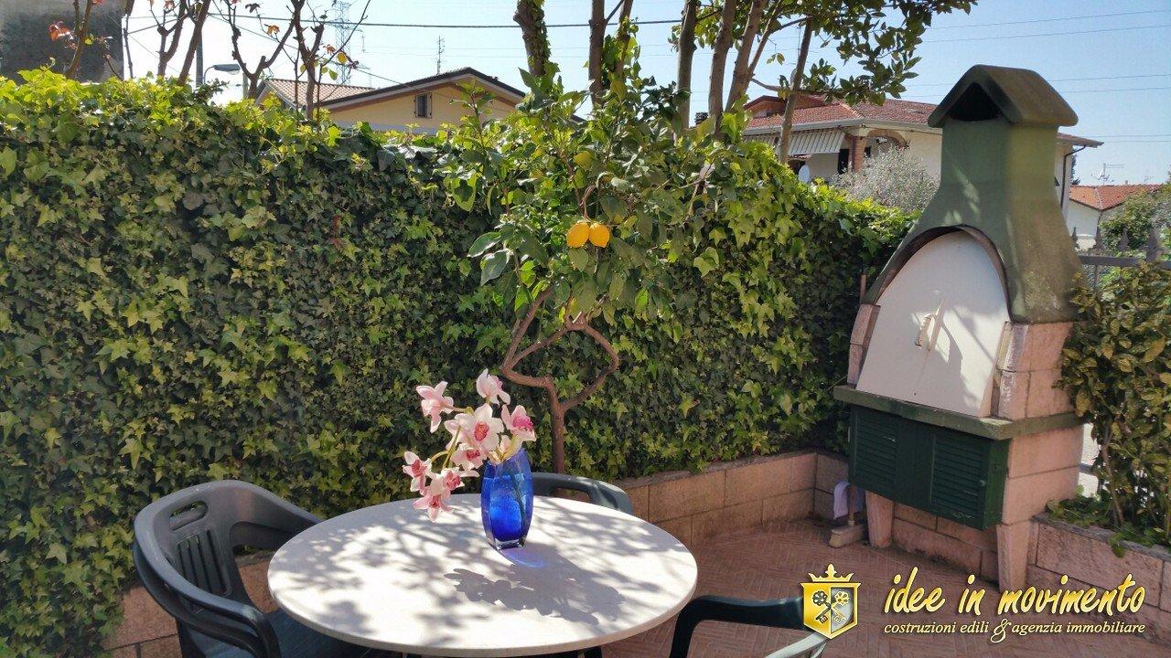 Casa semindipendente in vendita a Turano, Massa