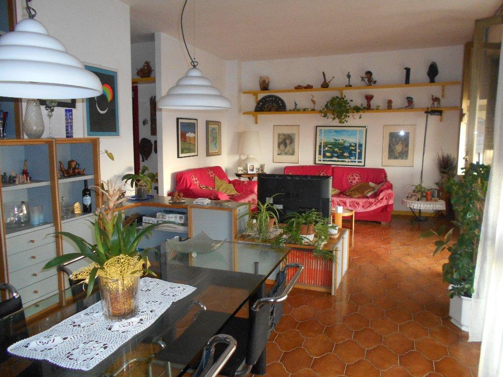 Casa livorno appartamenti e case in vendita a livorno for Case livorno