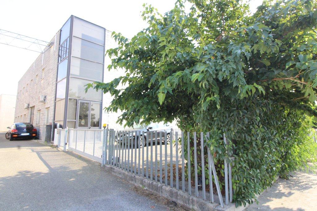 Capannone artigianale in vendita a Pontedera (PI)