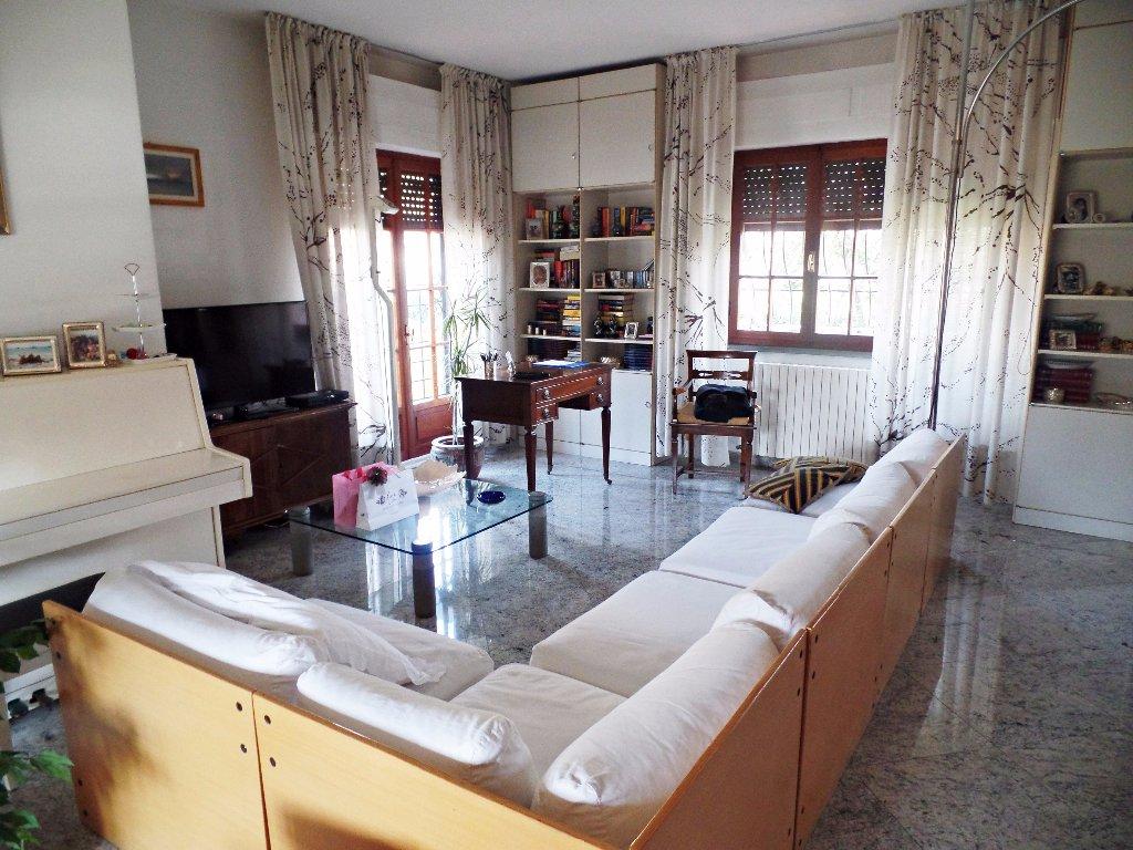 Immobiliare ronchimare casa singola in vendita a marina for Casa con 2 camere da letto con seminterrato finito in affitto