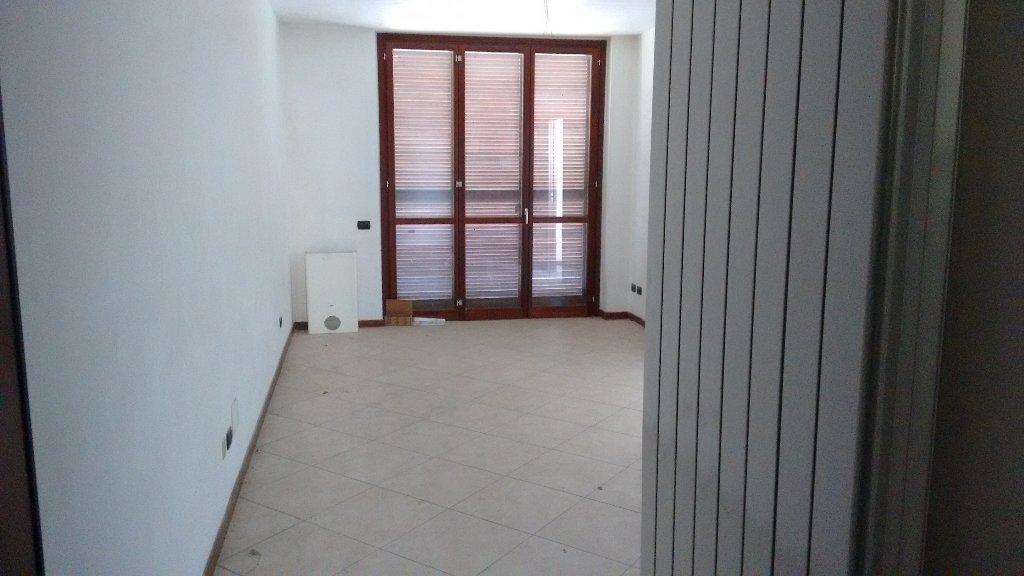 Appartamento in vendita a Ossona, 3 locali, prezzo € 165.000 | CambioCasa.it