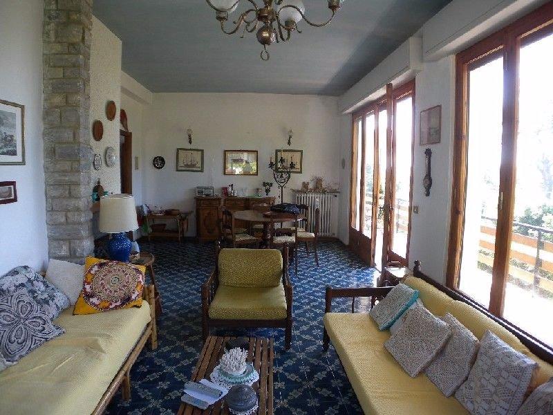 Villa in vendita a Livorno, 10 locali, prezzo € 850.000 | CambioCasa.it