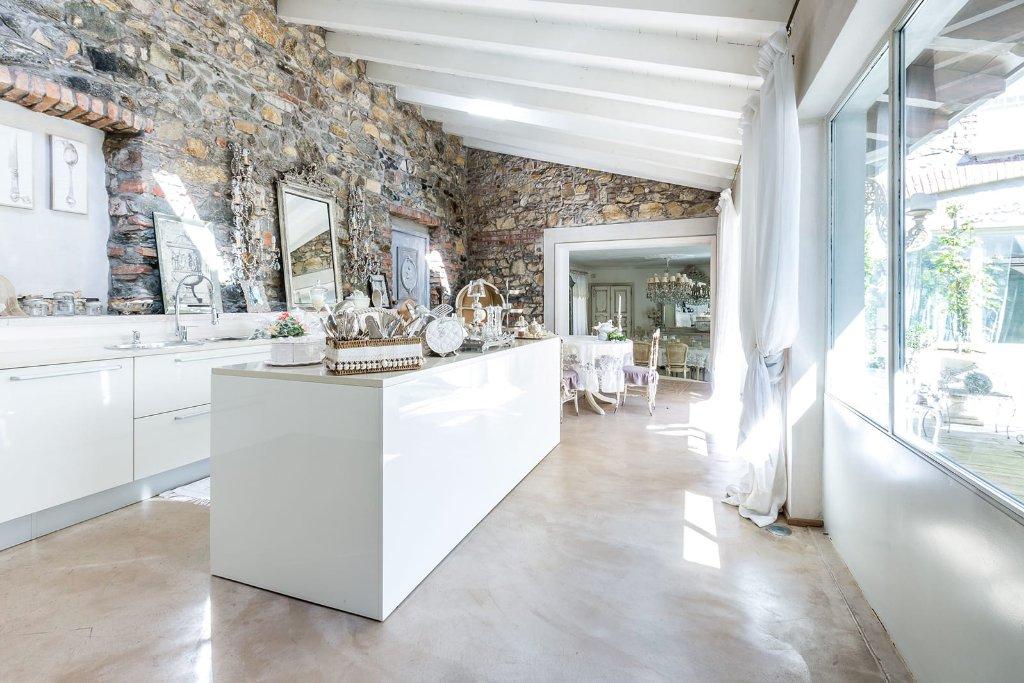 Rustico / Casale in vendita a San Giuliano Terme, 6 locali, prezzo € 455.000 | Cambio Casa.it