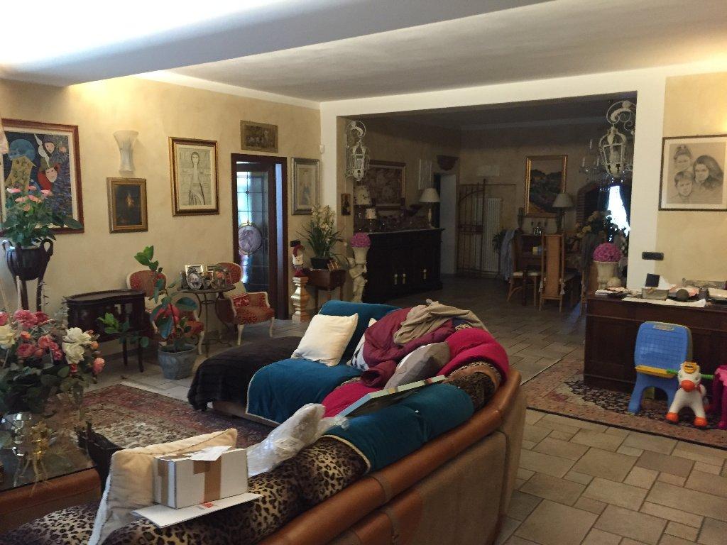 Colonica in vendita a San Giuliano Terme (PI)