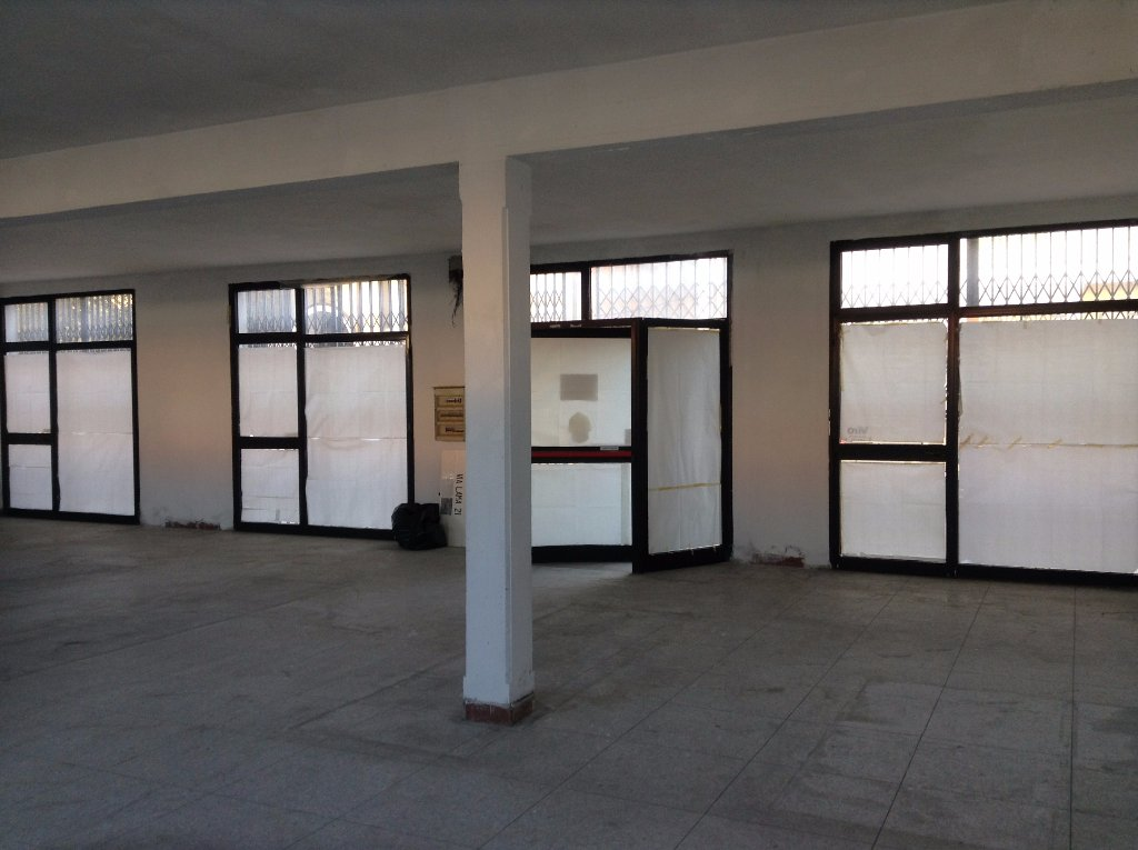 Negozio / Locale in affitto a Pontedera, 1 locali, prezzo € 1.100   CambioCasa.it