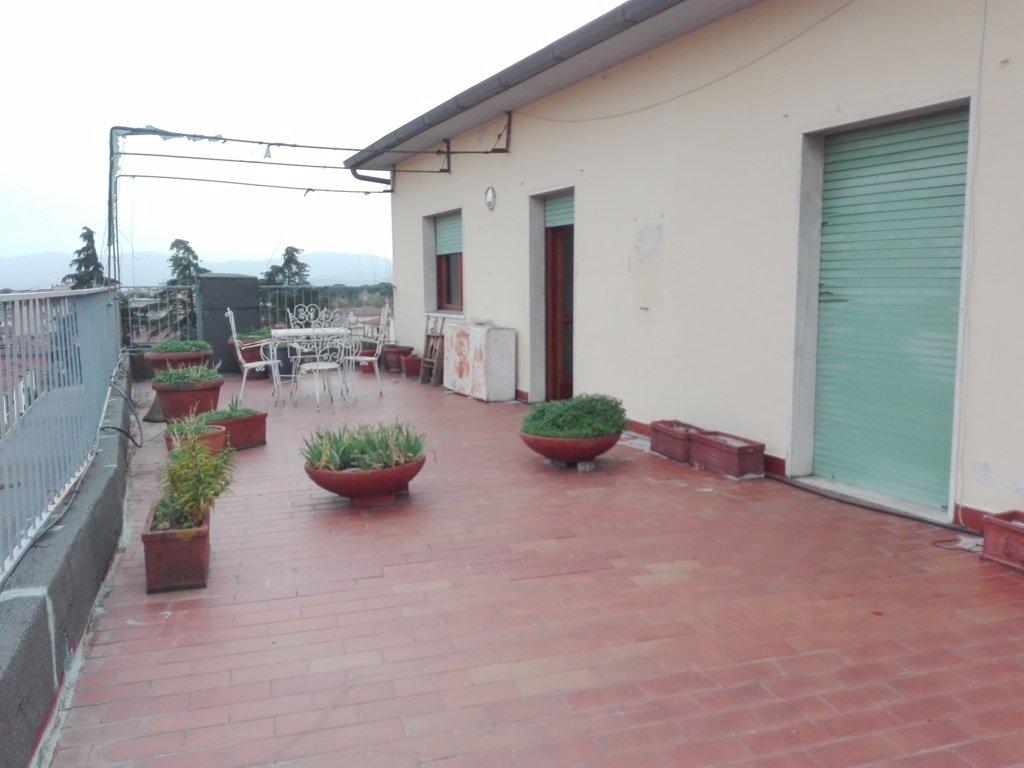 Attico / Mansarda in vendita a Pistoia, 6 locali, prezzo € 220.000 | CambioCasa.it