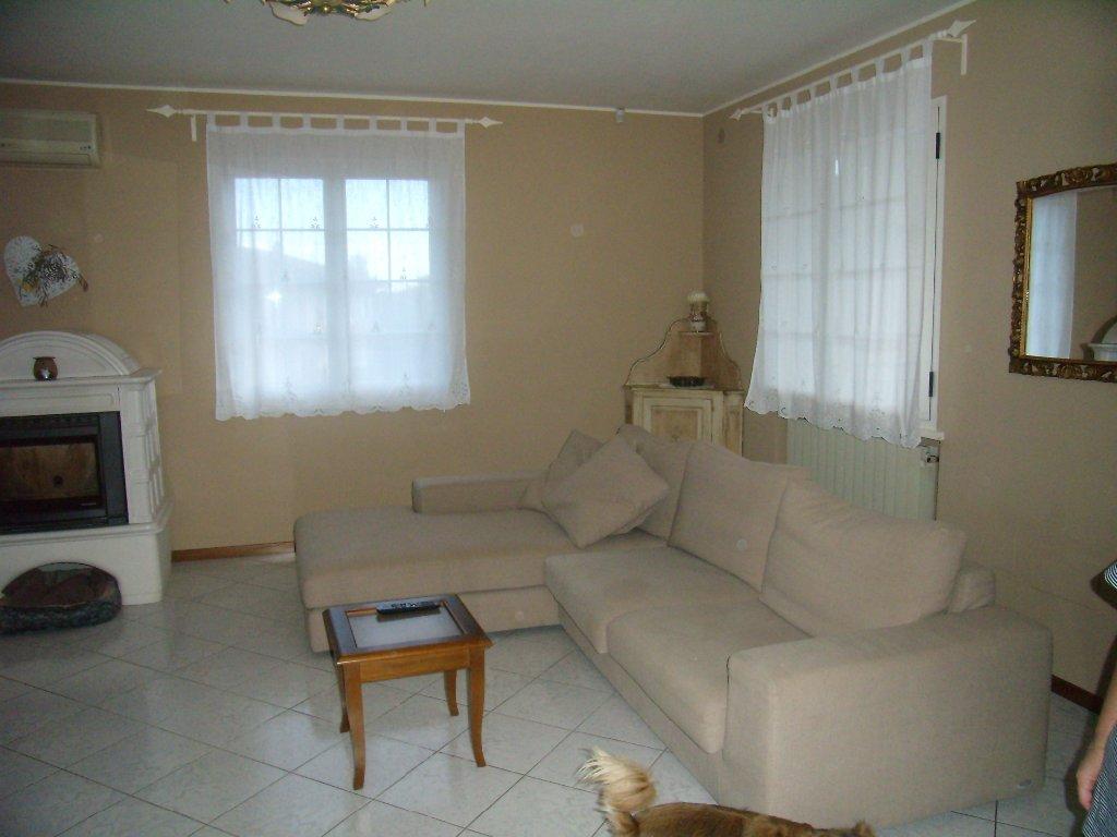 Villa in vendita a Monsummano Terme, 10 locali, prezzo € 485.000 | Cambio Casa.it