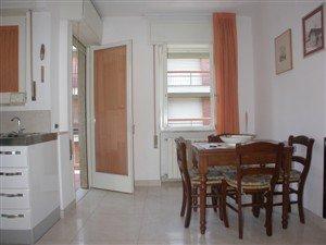 Appartamento in vendita a Camaiore, 2 locali, prezzo € 260.000 | Cambio Casa.it