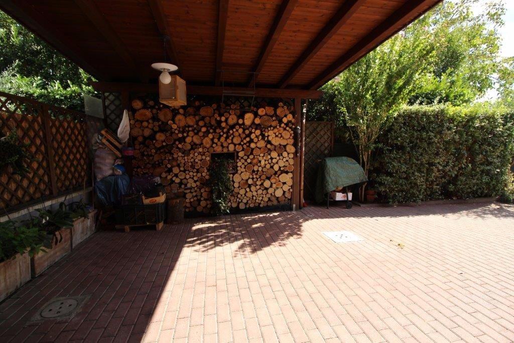 Appartamento in vendita a Calcinaia, 4 locali, prezzo € 145.000 | CambioCasa.it
